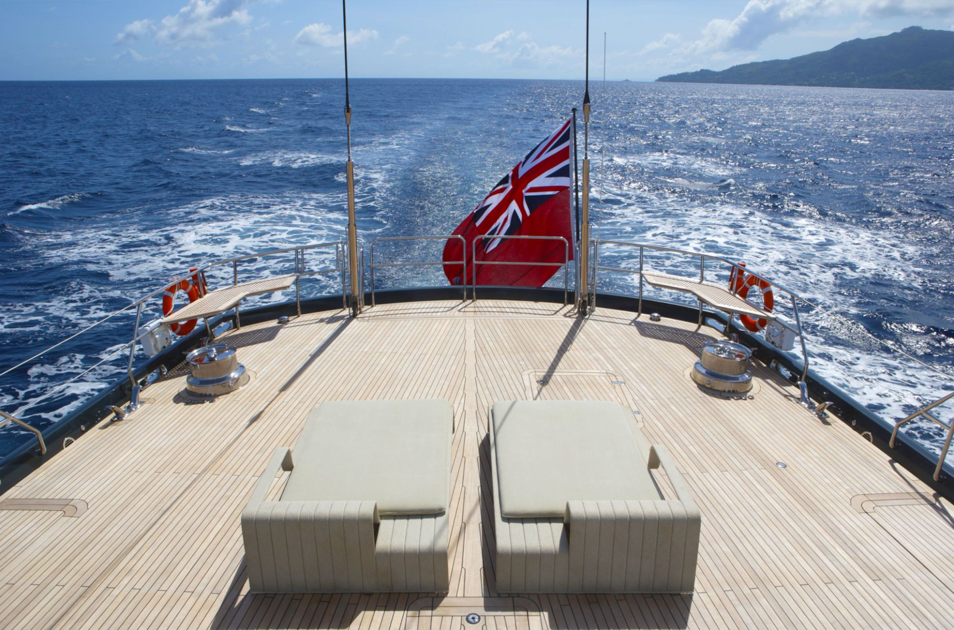 Alloy Yachts Red Dragon
