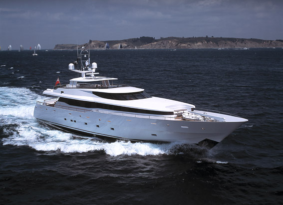 Alloy Yachts SQN