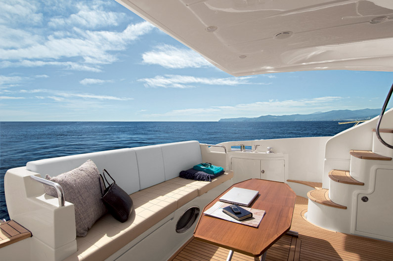 Azimut 60 Flybridge Cockpit Yacht for sale