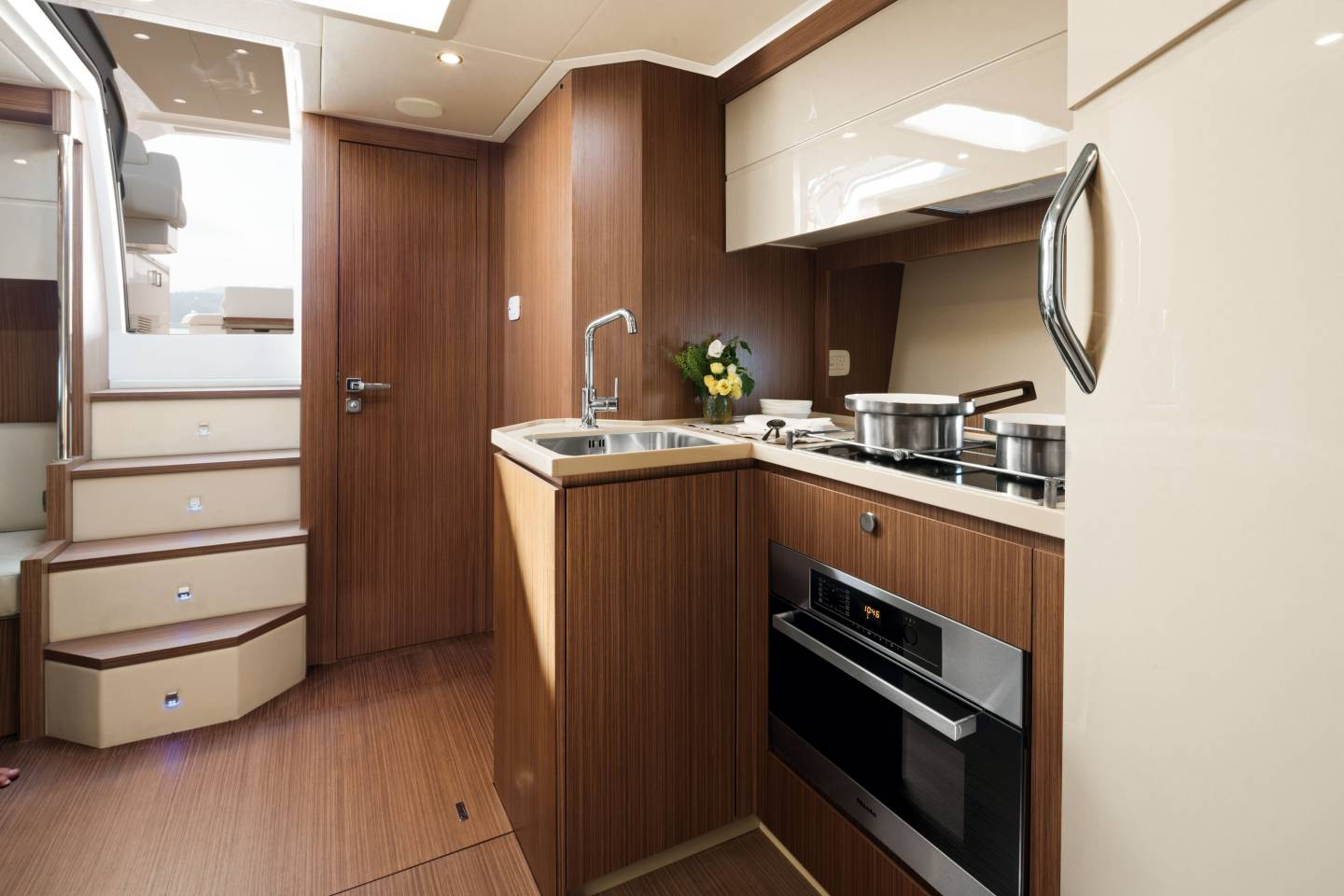 Azimut Atlantis 50 Galley