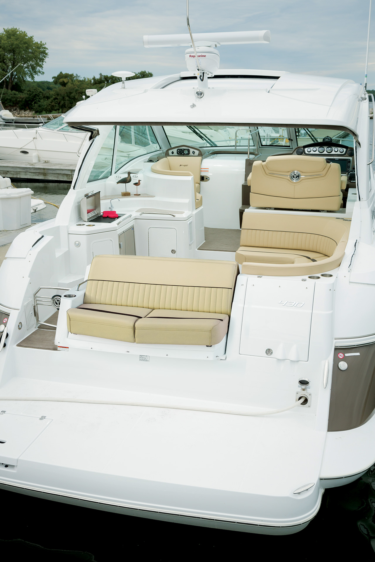 Cruisers Yachts 430 Sports Coupe Yacht for sale