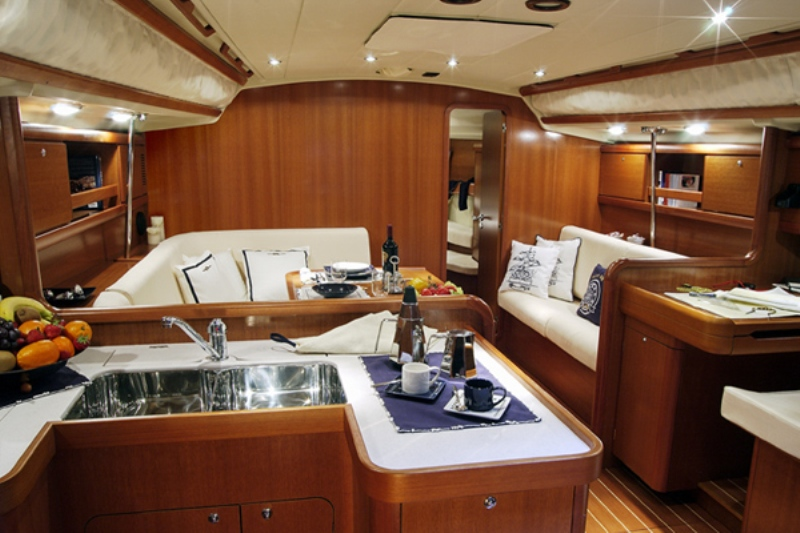 Grand Soleil 45 for sale Interior Salon