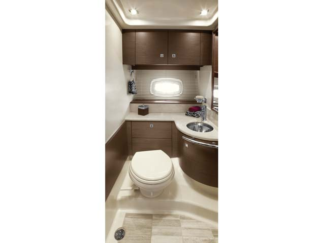 2012 Sea Ray 470 Sundancer Master Head