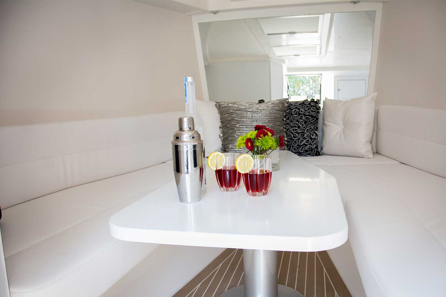 Vandutch 40 Avante Garde Luxury Yacht Interior