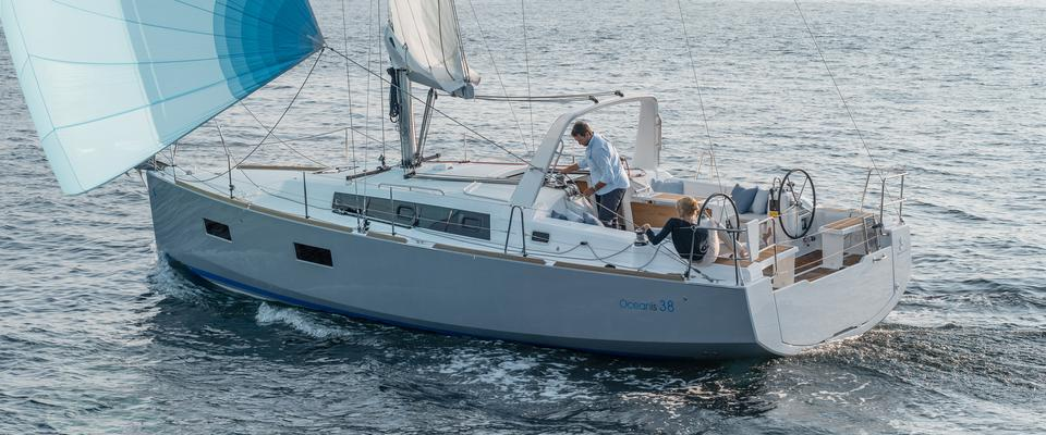 Beneteau Oceanis 38 Sailboat for sale