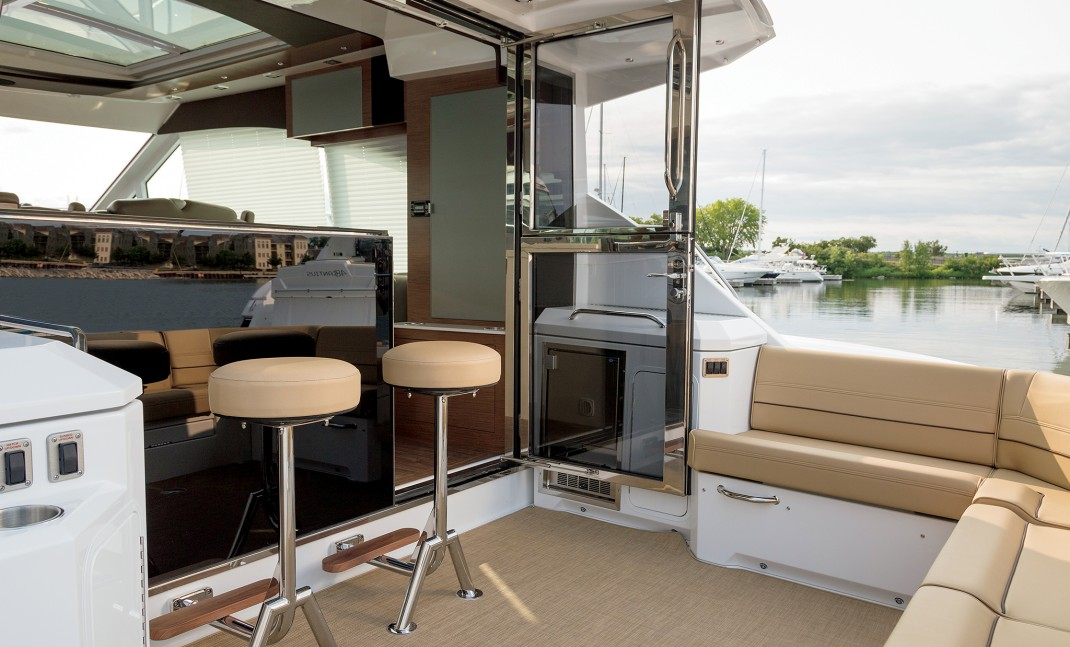Cruisers 45 Cantius for Sale Cockpit