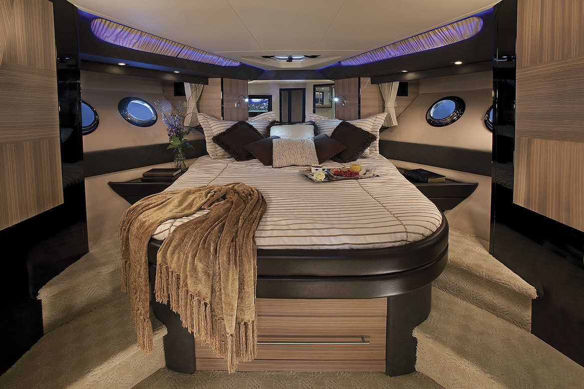 Marquis 500 Sport Yacht Master Stateroom