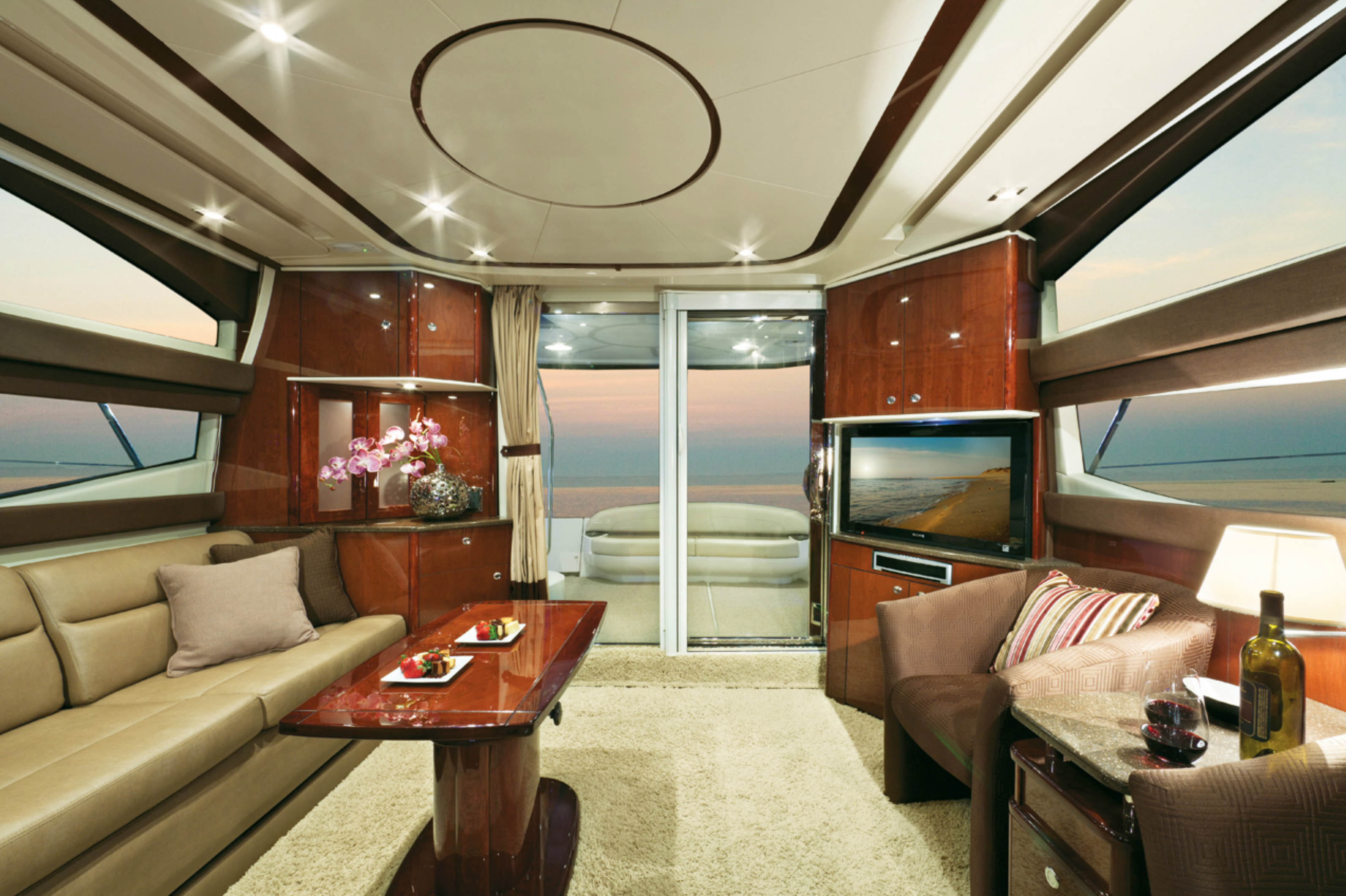 Meridian 441 for sale Interior Salon