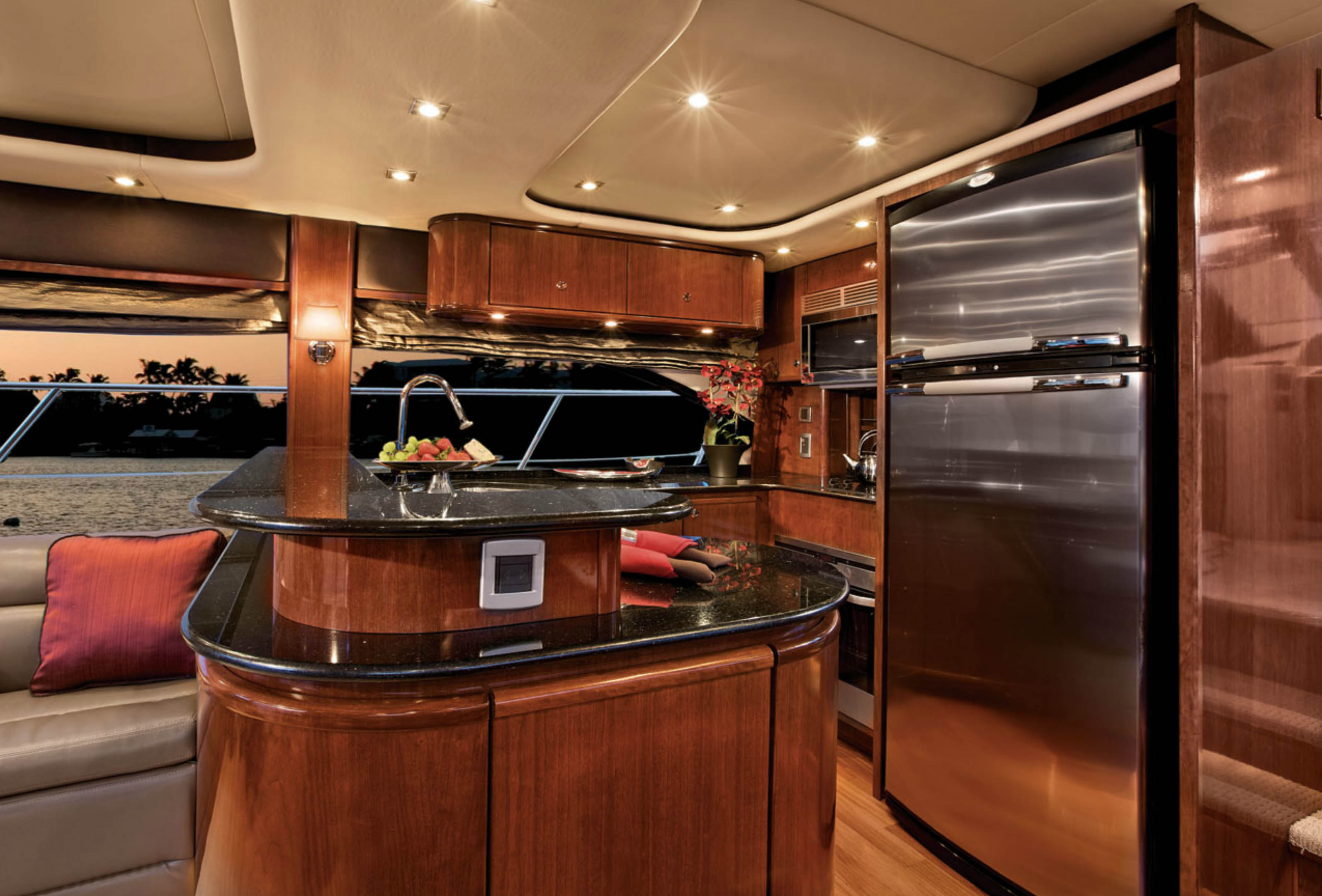 Meridian 580 Pilothouse Galley