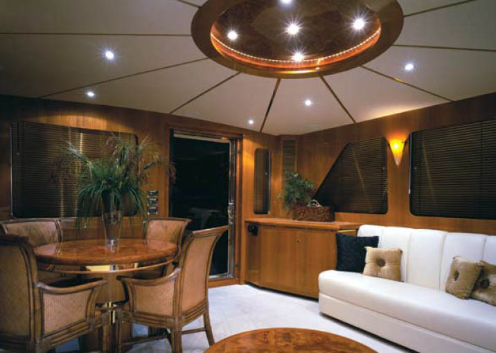 Ocean Alexander 64 Pilothouse Dining Room