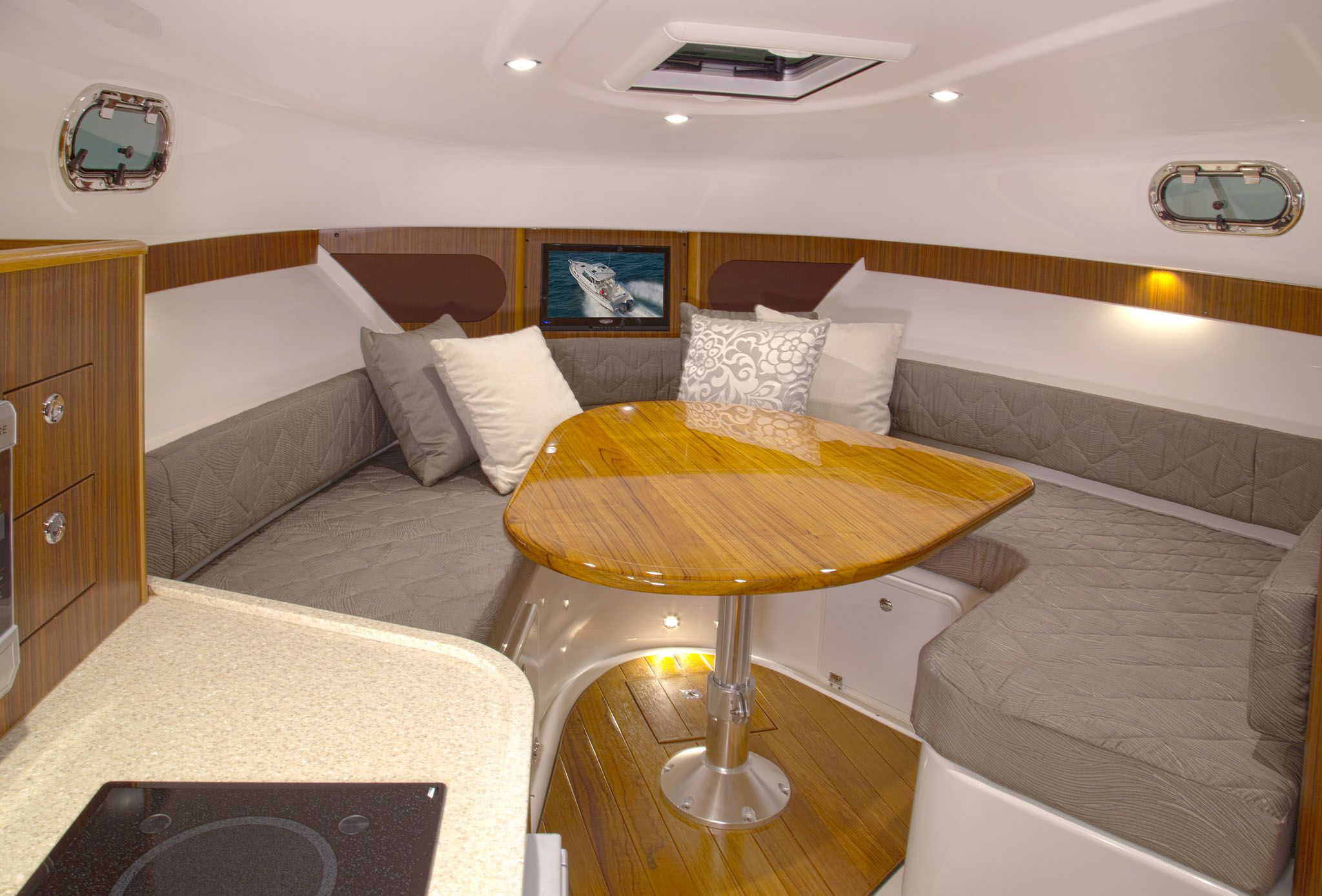 Pursuit 345 Offshore used fishing boat for sale interior